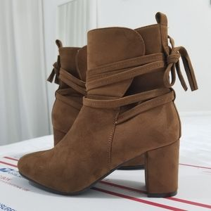 NWOT Brown/Tan Suede Boots Size 8